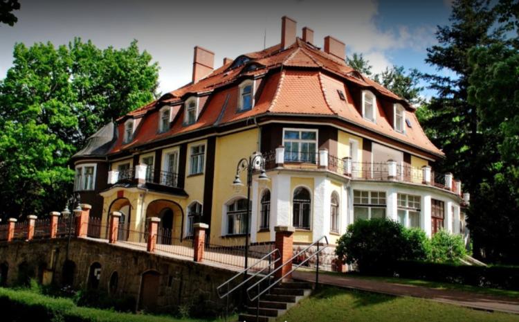 Losy Pałacyku Myśliwskiego w Muchowie